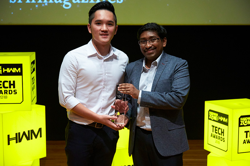 Bose is the Readers' Choice award winner for Best Headphones Brand and Best Home Theater Brand. Accepting the award here is Mr. Winston Seow, Marketing, Merchandising & Sales Coordinator from Bose.
