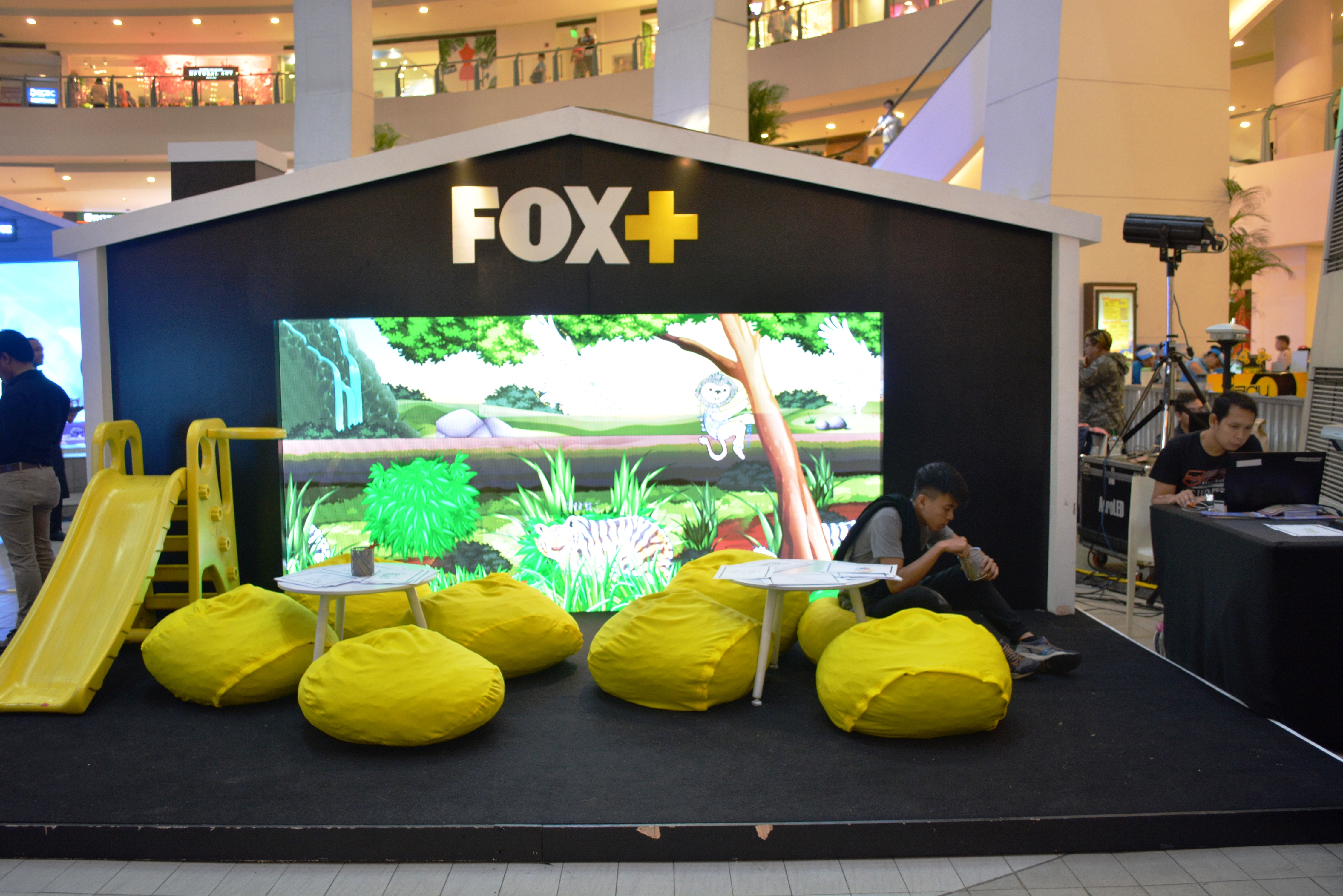 fox+, globe at home, hooq, internet, netflix, postpaid plans, viu