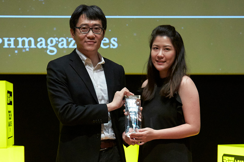 Epson wins 3 awards: Editor's Choice for Best AIO Color Inkjet Printer and Best Business Projector; and Readers' Choice for Best Business Projector Brand. Receiving the awards here is Ms. Claudia Ong, Product Manager for Printers for Epson Singapore.