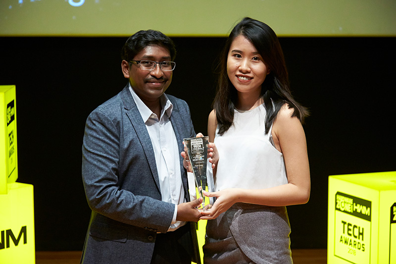 The Fossil Q Nate wins our Editor's Choice for Best Hybrid Smartwatch. Accepting the award here on behalf of Fossil is Ms. Vivian Liu.