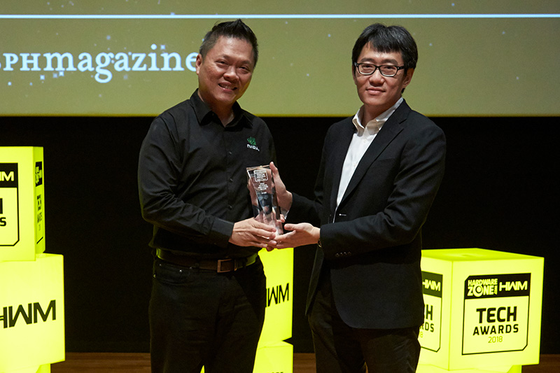 NVIDIA has won 2 awards: Editor's Choice for Best Graphics Chip (GeForce GTX 1080 Ti) and Readers' Choice for Best Graphics Processor Brand. Mr. Simon Tan, Director of Consumer Business for APAC South at NVIDIA, is here to receive the awards.