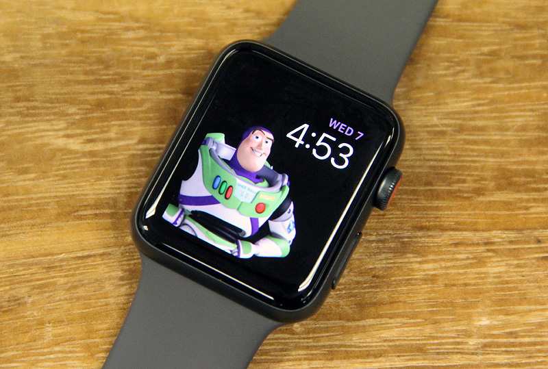 Even in the face of the new Apple Watch Series 4, the older Series 3 remains to be a very capable smartwatch.