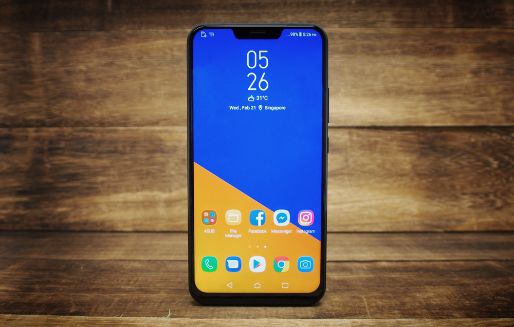 Hands On The Asus Zenfone 5 Is An Android Phone With A Notch