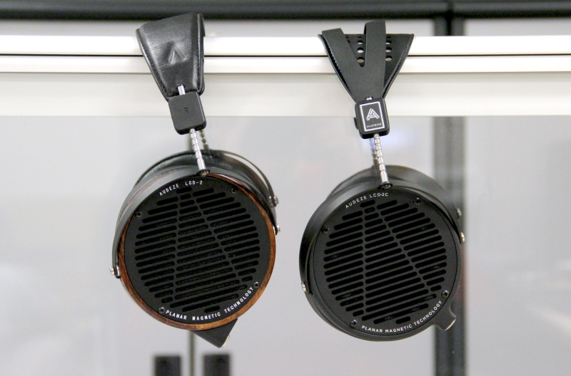 The LCD2 Classic and LCD-2 sound very similar and you would have to listen very hard to spot any differences.