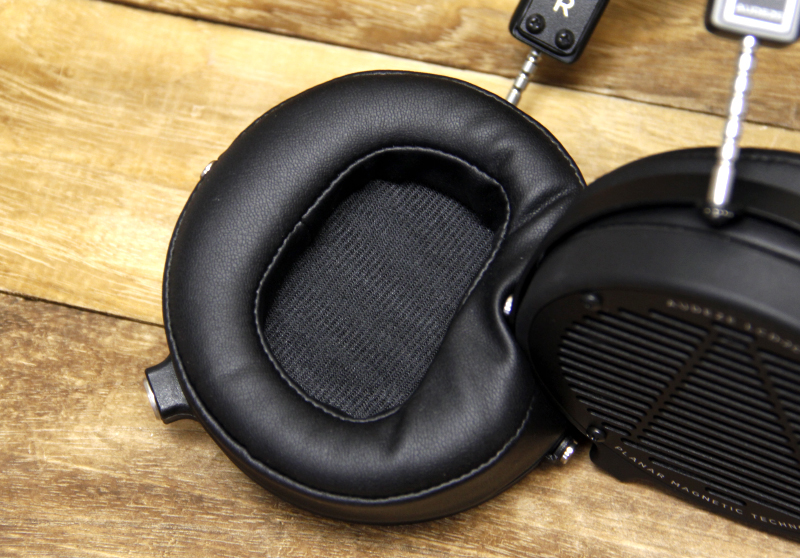 504f9a788bf The ear pads are super plush. If you put your hands over the driver,