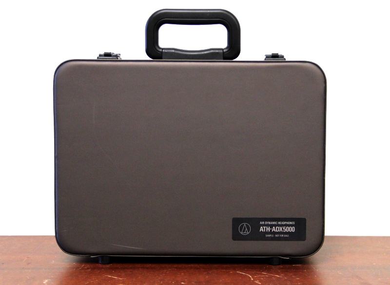 The headphones come neatly packed in this fairly large carrying case.