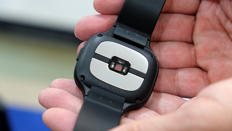 ASUS VivoWatch BP rear
