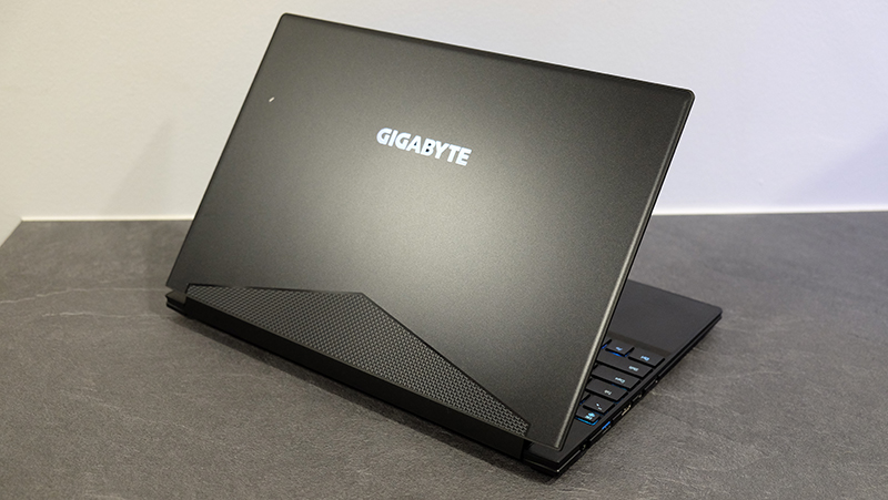 A closer look : Gigabyte Aero 15X notebook review: Small