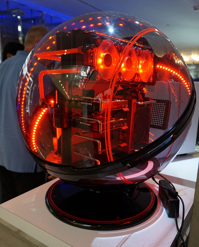 And all of that was housed in this alien looking system at WD's booth in Computex. #inspiration