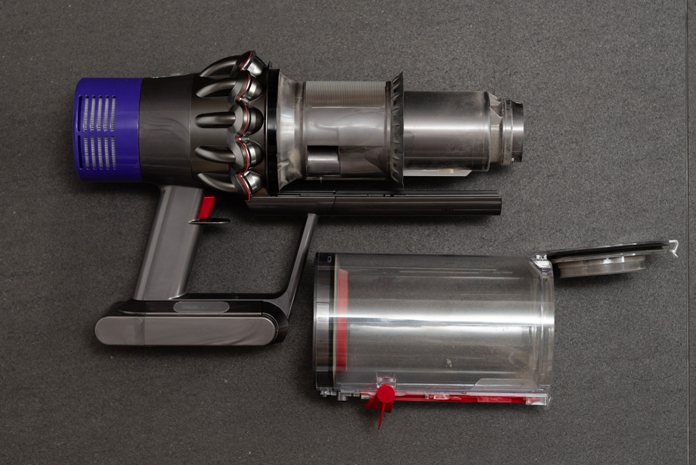 Maintenance, price, sweat, happiness : Dyson V10 cordless vacuum