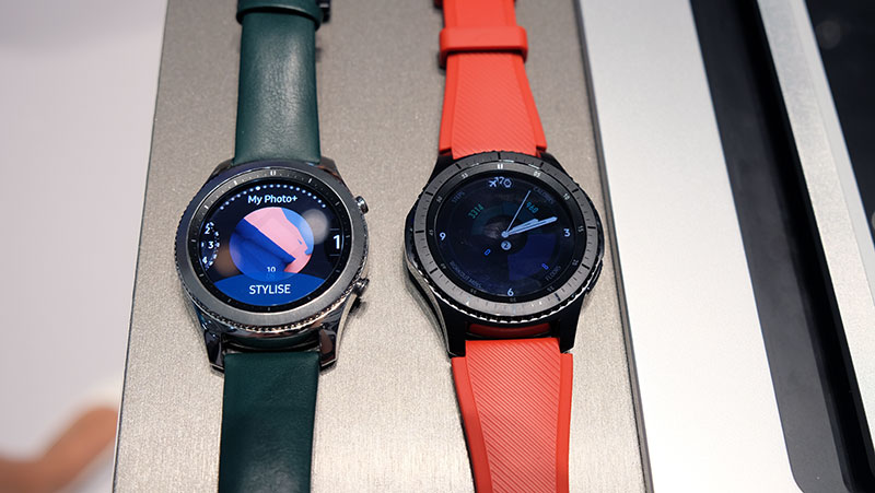 The Gear S3 Frontier (right) is a more rugged-looking version of the Classic.