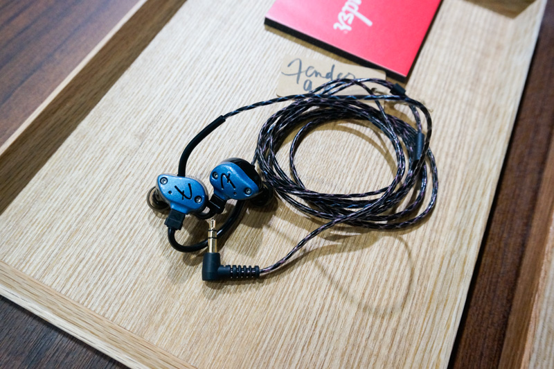 A close-up of the Nine-1 headphones.