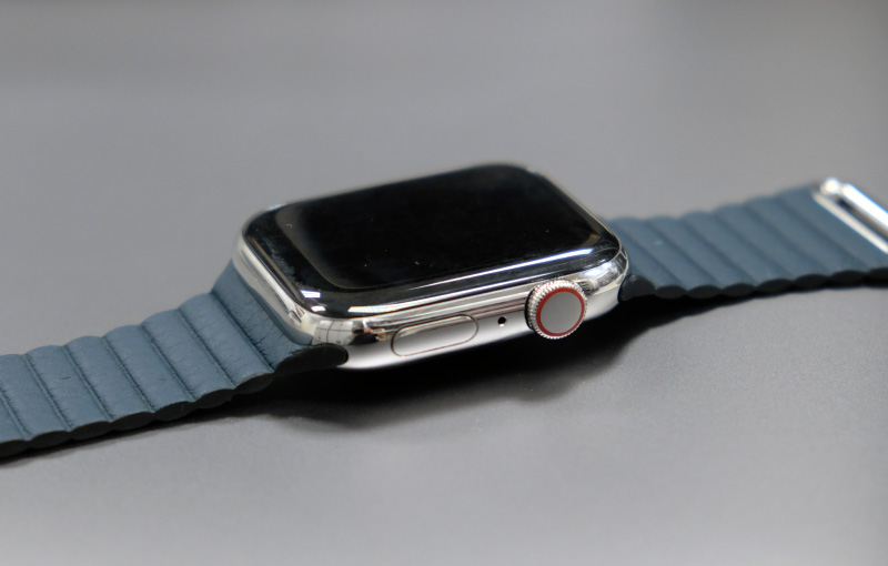 The Apple Watch Series 4 is 100% compatible with older straps. Note also the red ring around the Digital Crown denoting that this is cellular-enabled.