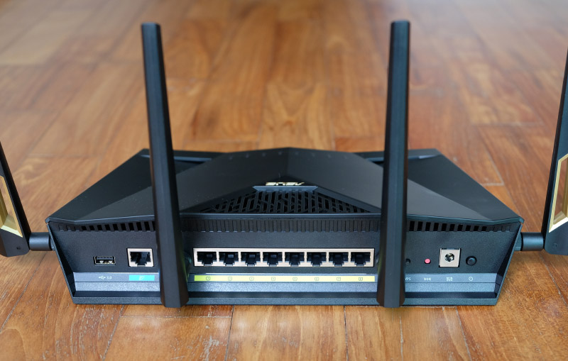 As befits a high-end router, the RT-AX88U has a whopping 8 Gigabit Ethernet ports.