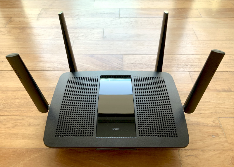 How should we put it? Let's just say the EA8100 router looks functional.