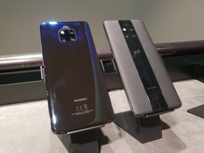 Compared to the regular Mate 20 Pro, the Mate 20 RS has no camera bulge.