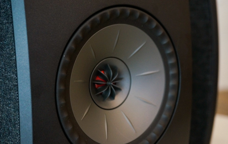 Small but powerful: First looks at the KEF LSX wireless