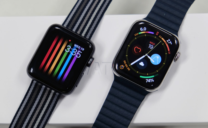 The Apple Watch Series 3 (left) and Apple Watch Series 4 (right).