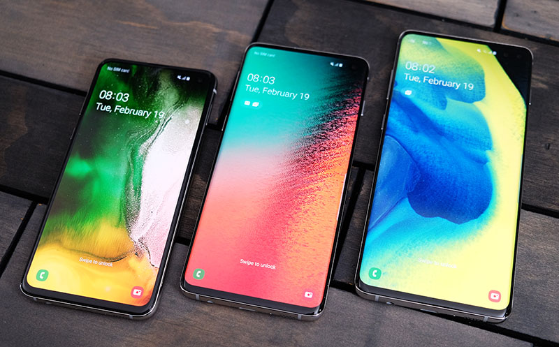 From left to right: Galaxy S10e, Galaxy S10, Galaxy S10+ (S10 5G not pictured).