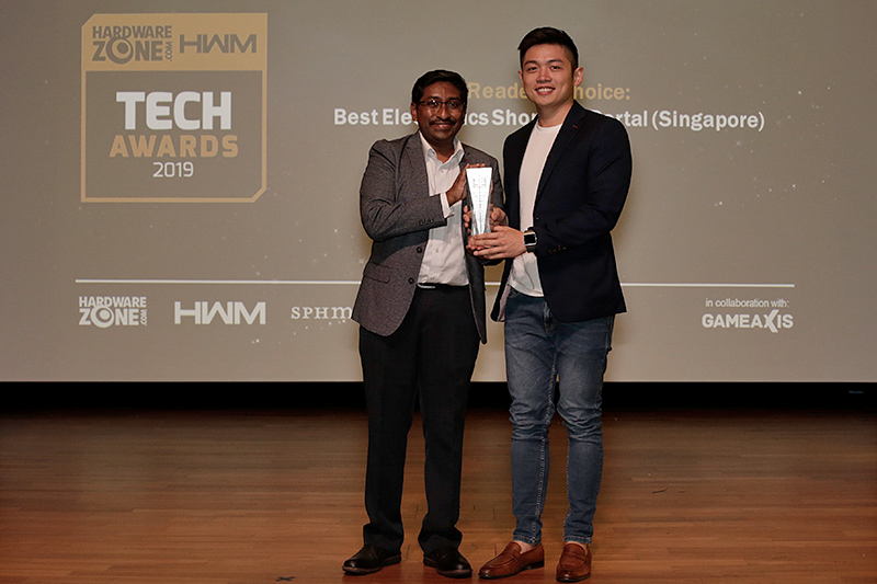 Our readers' have chosen Lazada as their favorite local electronics shopping portal. Receiving the award is Lazada's Chief Business Officer Mr. Ryan Tay.