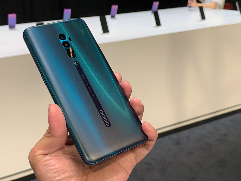 Hands-on with the Oppo Reno 10x Zoom and Reno Standard Edition
