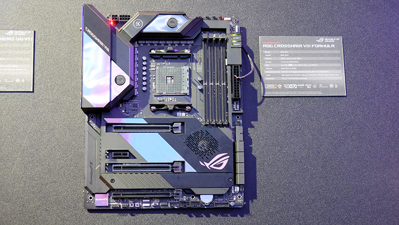 ASUS Crosshair VIII Formula : The most feature-packed AMD
