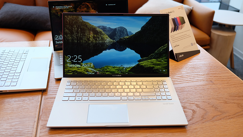 The new ASUS VivoBook S14 and S15 come with a secondary