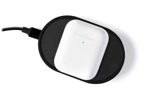 The removable Power Disc can be used to charge the AirPods with Wireless Charging Case.