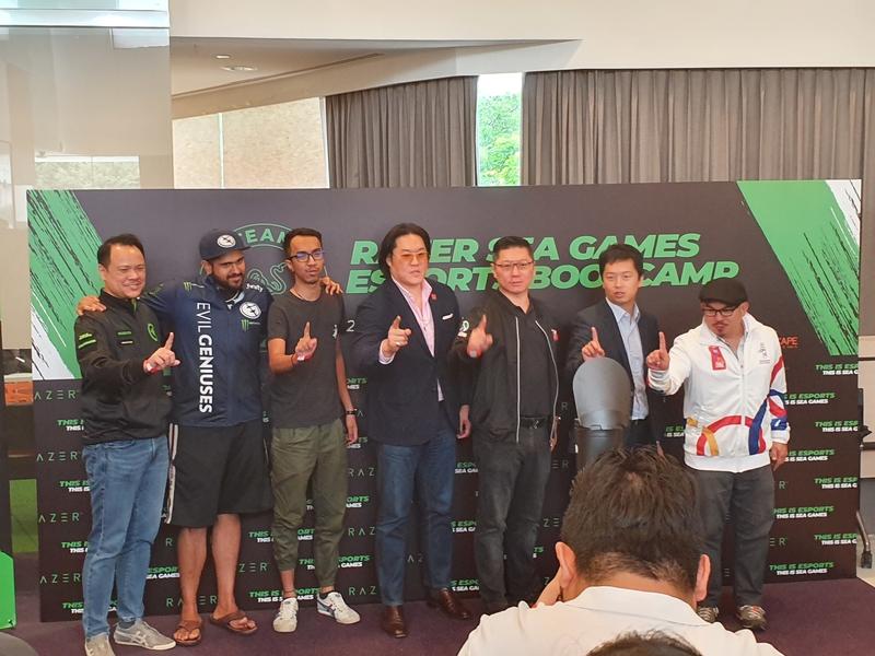 From the right, Alvin Juban, Ng Chong Geng, Harry Kartono, Samart Benjamin Assarasakorn, Ahmad Syawan bin Anuar,  Sam 'BuLba' Sosale, and David Tse,