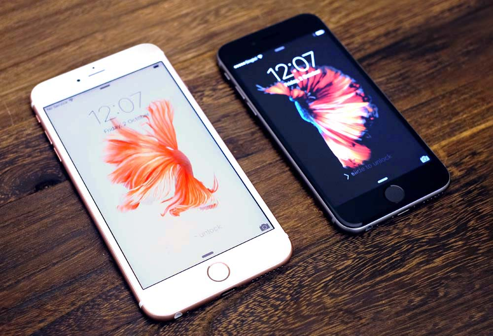 The Apple iPhone 6s Plus and iPhone 6s.
