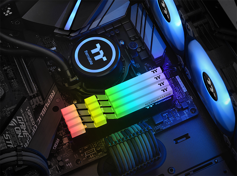Thermaltake Toughram RGB
