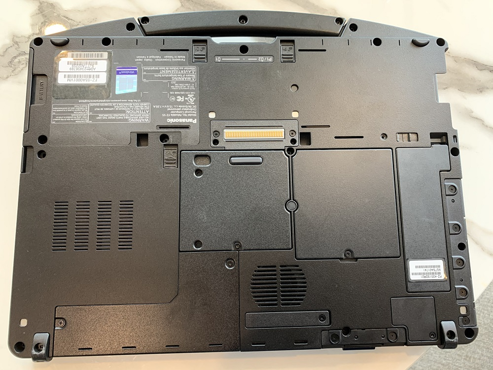 The carrying handle adds to the case-like feel of the TOUGHBOOK.