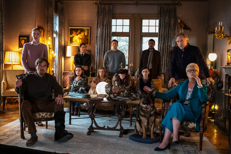 This is an absolutely star-studded cast! Everyone shines in the screentime they're given here.