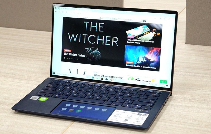 The ZenBook 14 UX434 is powered by the latest 10th generation Intel processor and features ASUS' ScreenPad 2.0.