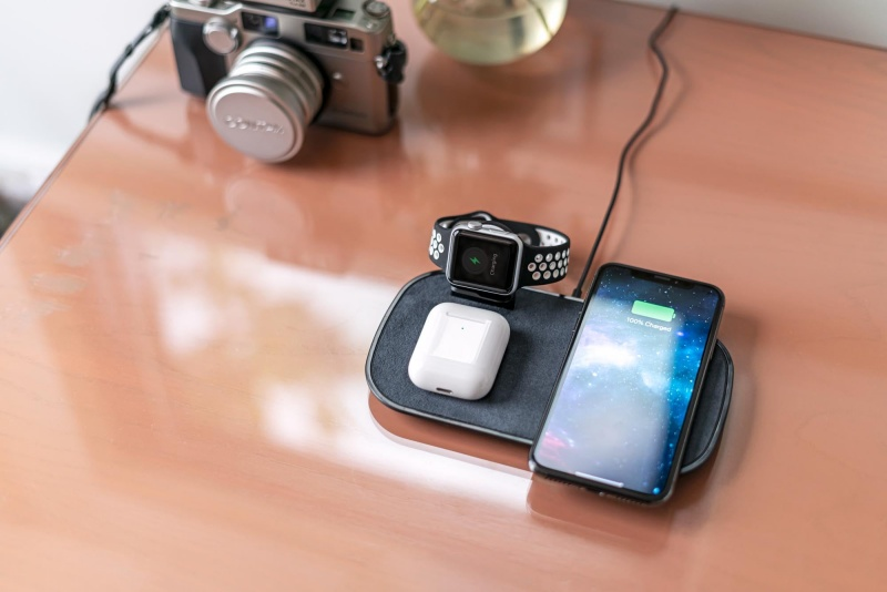 Mophie 3-in-1 wireless charging pad.
