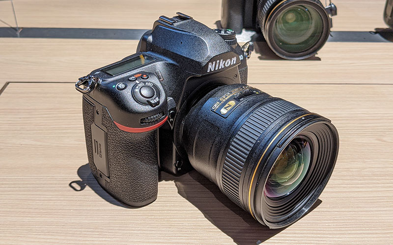 This is the successor to the D750.