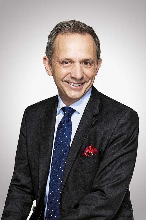 HP CEO Enrique Lores