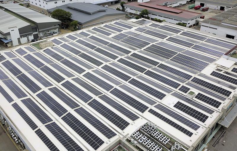 Solar panel installation at Bedok Data Centre. Source: Singtel.