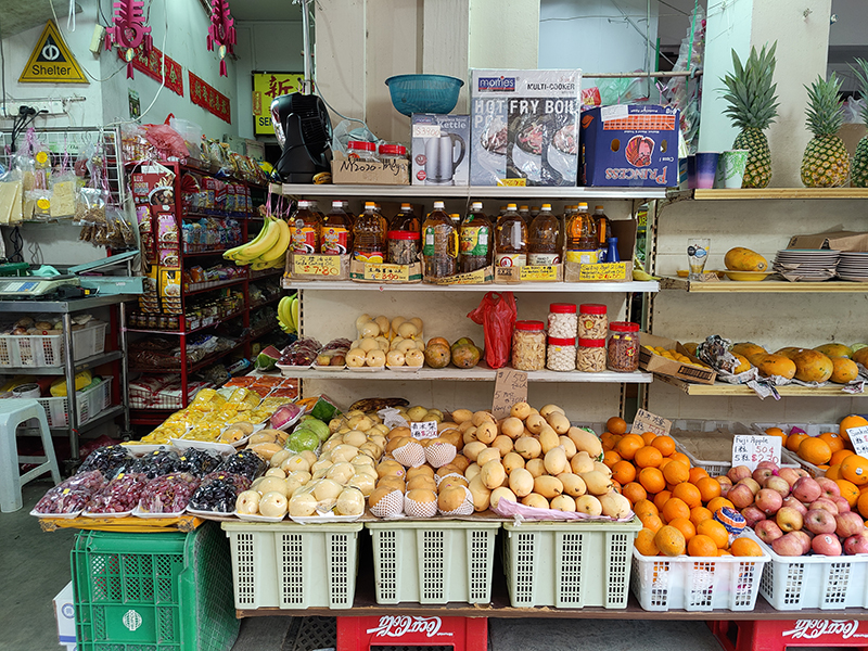 A provision shop's outdoor display of groceries is an ideal, natural scenario for testing the colour and detail reproduction of any smartphone's photo-taking capabilities.