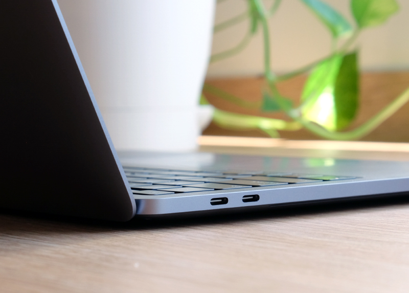 The higher-end 4-port 13-inch MacBook Pro has two USB-C Thunderbolt 3 ports on each side.