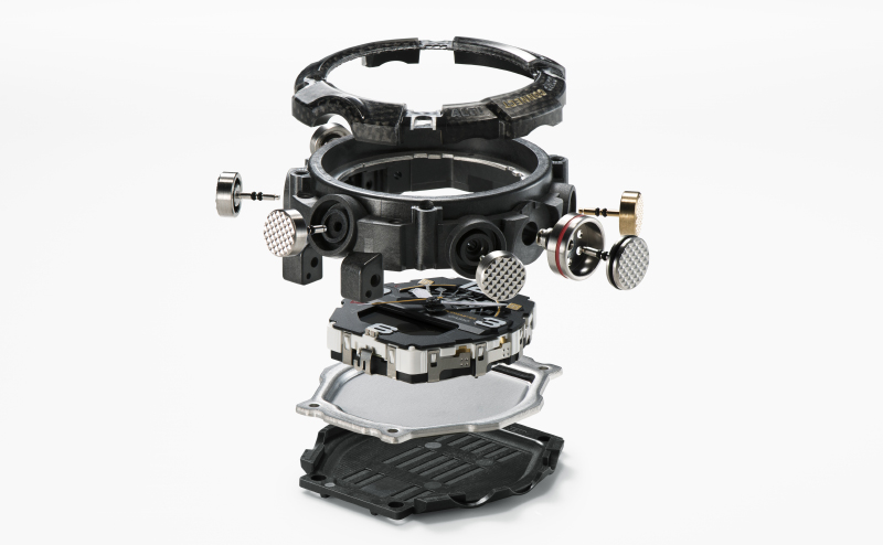 The Carbon Core Guard construction uses carbon-reinforced materials that are light yet strong. (Image source: Casio)