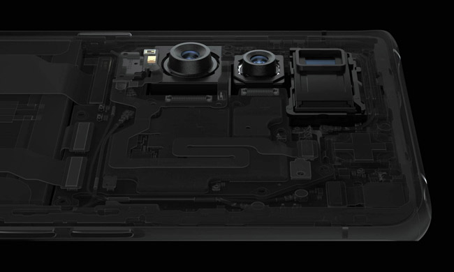 The tri-camera system on the back of the Find X2 Pro 5G.