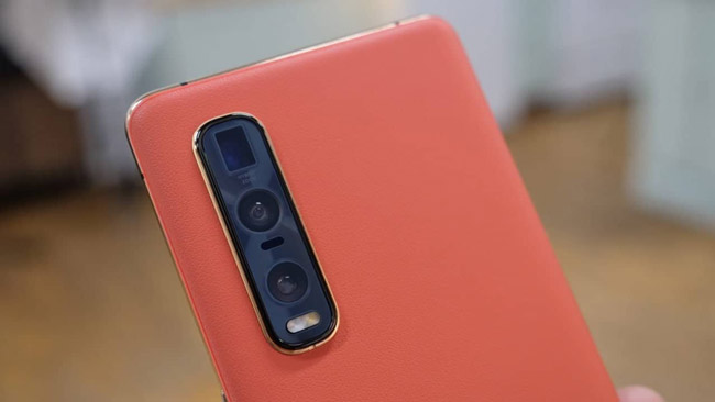 This is the Orange Vegan Leather backed version of the Oppo Find X2 Pro 5G.