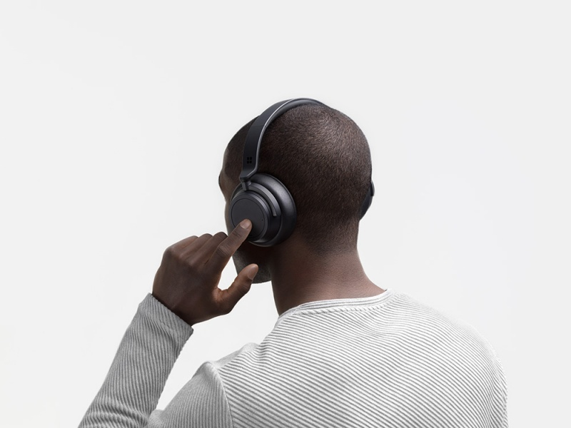 The Microsoft Surface Headphones 2.