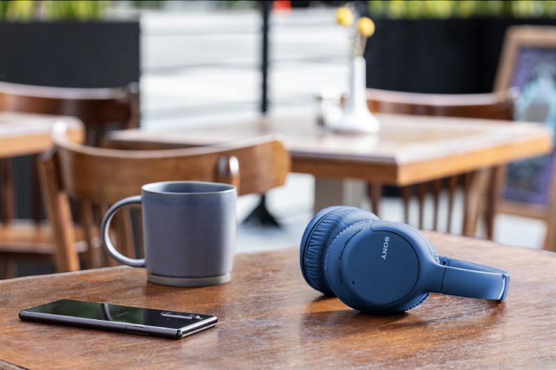 The Sony WH-CH710N is also available in blue. (Image source: Sony)