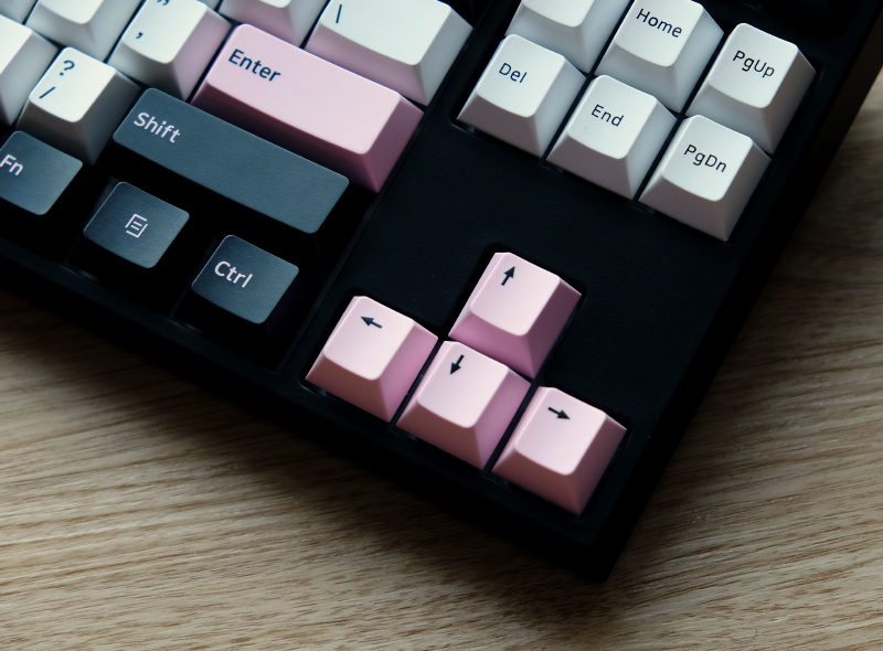 Were the designers at Tempest listening to Blackpink when coming up with the colour scheme of this keyboard?