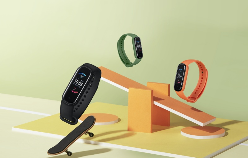 The Amazfit Band 5 comes in three colours. Image courtesy of Huami.