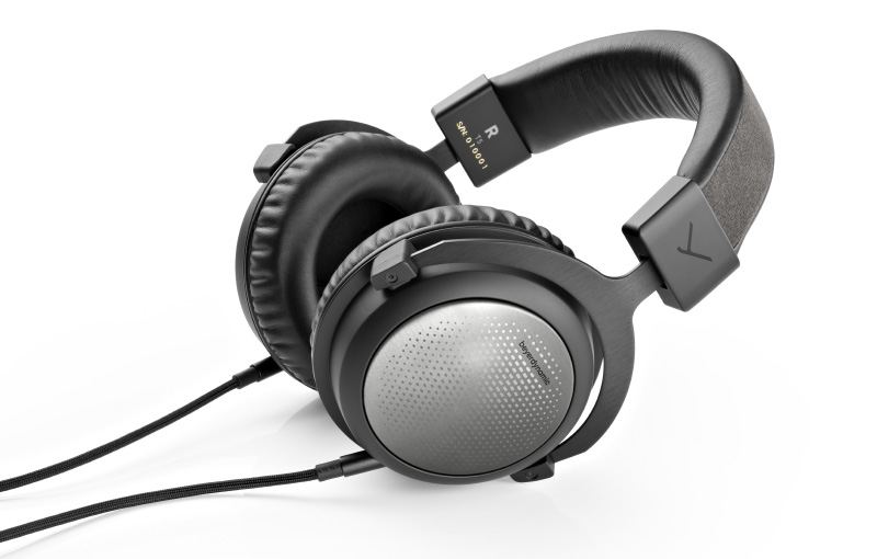 The new closed-back T5. (Image source: Beyerdynamic)