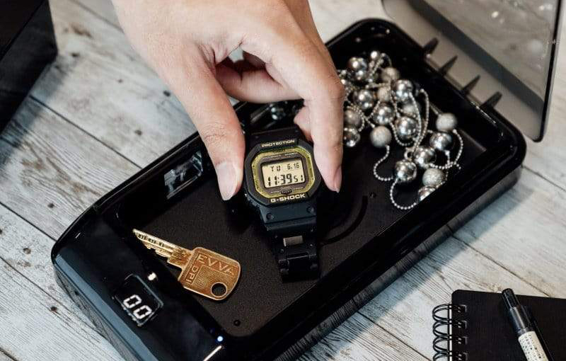 Not all G-Shocks will fit. (Image source: Zygienic)