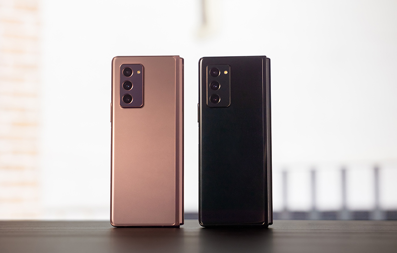Samsung Galaxy Z Fold2 in Mystic Bronze (left) and Mystic Black (right).